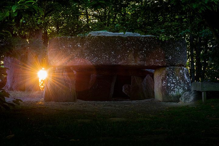 Sun at La roche aux Feés